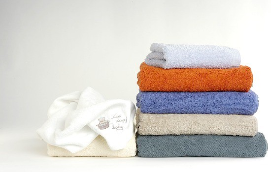 How to use vinegar in laundry - Remove mildew smells