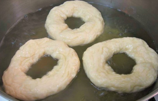 Homemade Bagels Recipe - Boil the bagels 3 at a time