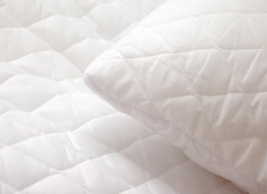 Bedroom Spring Cleaning Checklist - Clean your mattress
