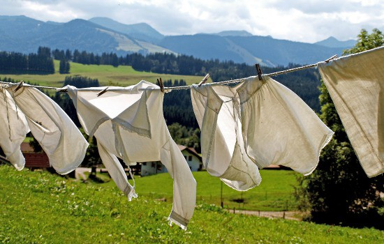 How To Line Dry Clothes Housewife How Tos