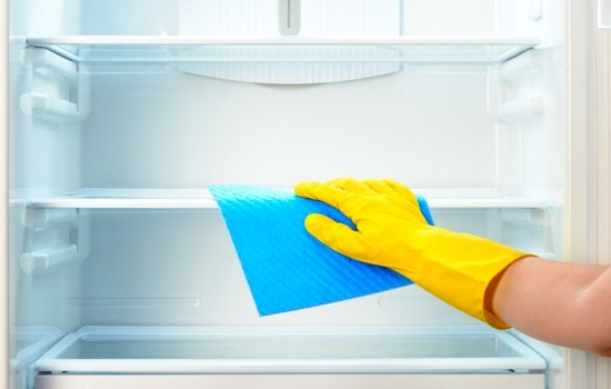 How to spring clean your refrigerator - Wipe the interior and wash the baskets