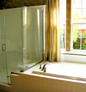 Homemade Soap Scum Remover - Gets glass shower doors spotless