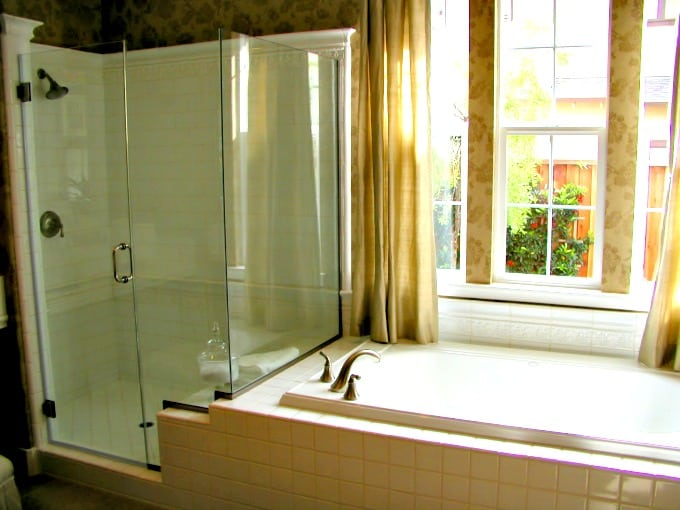 Spotless glass shower doors