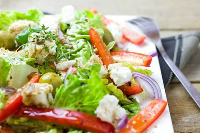 How To Make A Salad That Lasts All Week