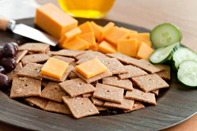 Homemade Wheat Thins Recipe - A simple healthy snack