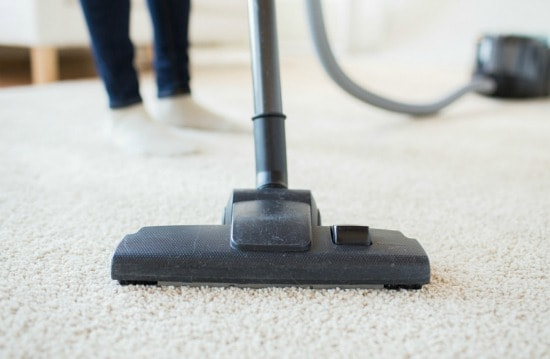 Cleaning checklist for kids rooms - Start vacuuming