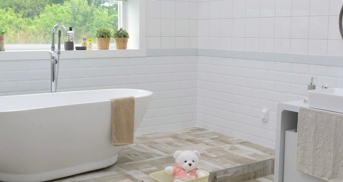 Bathroom spring cleaning checklist clean better than the - How to professionally clean a bathroom ...