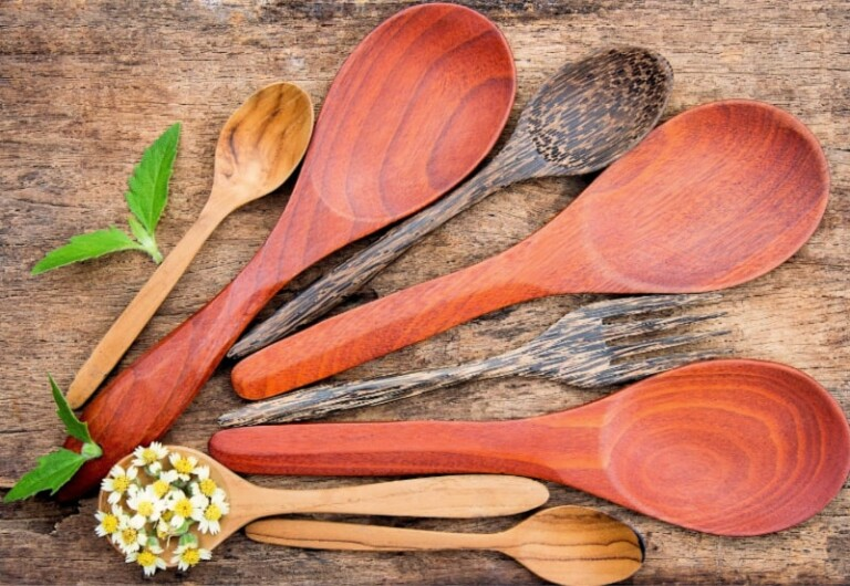 How to Care for Wood Spoons - Set of well-seasoned spoons