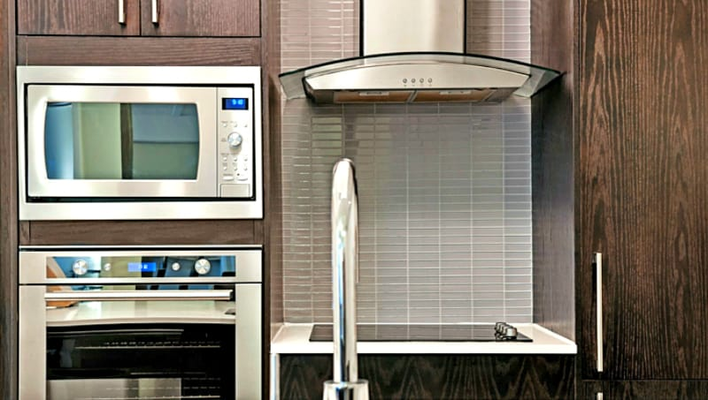 How to Clean Stove Hood Filters - Easy no-scrub method ...