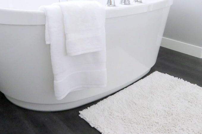 How To Wash Bathroom Rugs Housewife