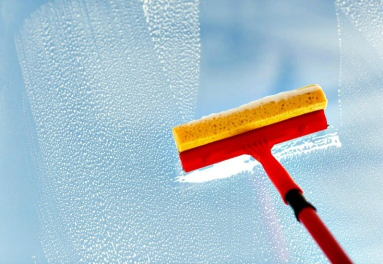How to Wash Windows without Leaving Streaks - Squeegee and homemade glass cleaner that works