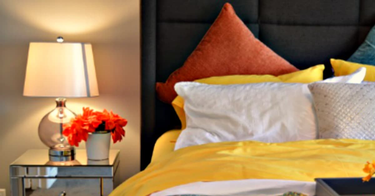 how to organize your bedroom • housewife howto's®