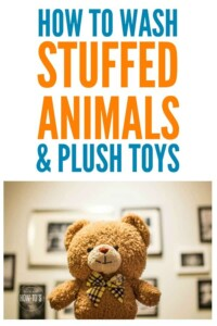 How to Wash Stuffed Animals and Plush Toys - Kids love their teddy bears but they get so nasty. Here's how to launder stuffed toys so they look and smell like new. #laundry #laundering #washingtoys #teddybear #stuffedanimals #plushtoys #cleaning #deepcleaning #allergens #housewifehowtos #laundrytip