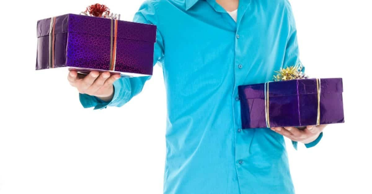afa77bb6d2150 15 Great Gifts For Guys  A Man-Approved Gift Guide » Housewife How-Tos®