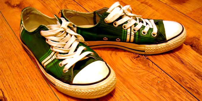 How to get salt stains off shoes - Sneakers or tennis shoes