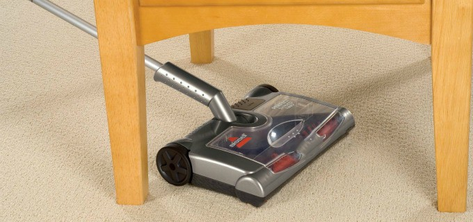 Product Review Bissell Perfect Sweep Turbo - Reaches under tables and chairs