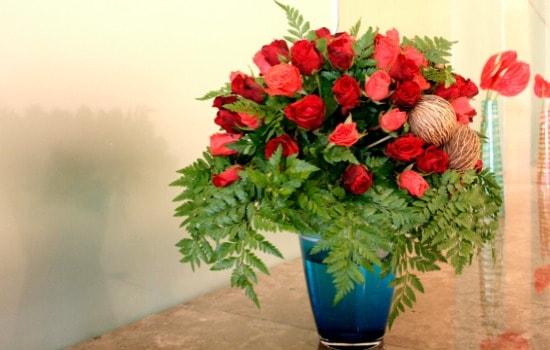 How To Keep Flowers Fresh Longer - Keep Away From Sunlight