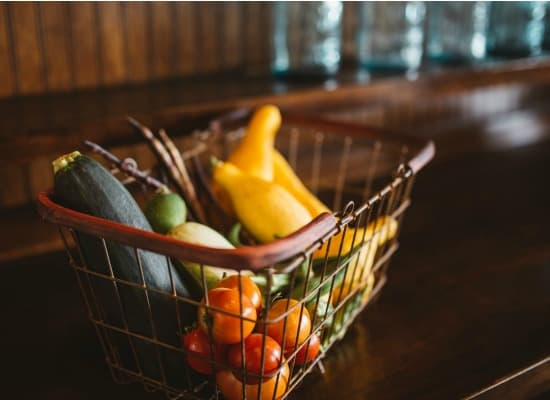 Save money on groceries without coupons - Save produce properly so it lasts longer