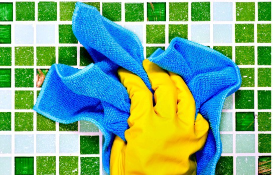 7 Tricks To Cleaning Faster - Dry wipe before wet