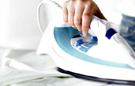 10 Professional Home Cleaning Hacks - Clean your iron