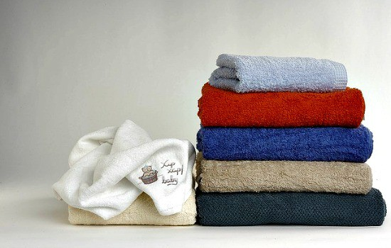 10 Professional Home Cleaning Hacks - Get rid of mildew on towels