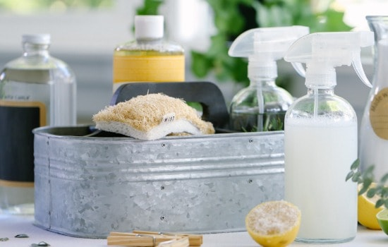 10 Professional Home Cleaning Hacks - Make your own cleaners
