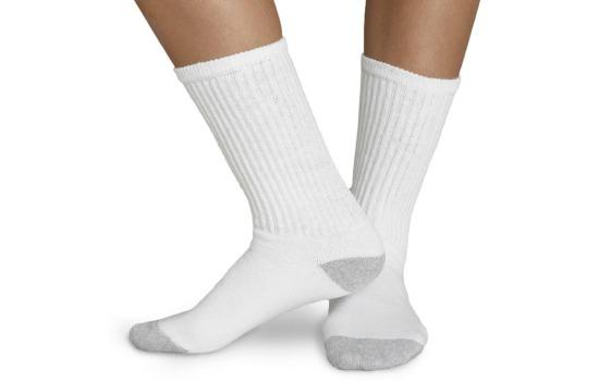 22 Surprising Uses For Lemons - Whiten stains on socks