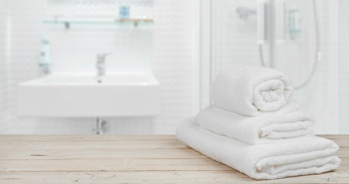 Tips To Deep Clean a Bathroom