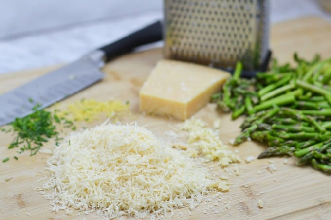 Lemon Asparagus Orzo does not require a lot of complicated preparation
