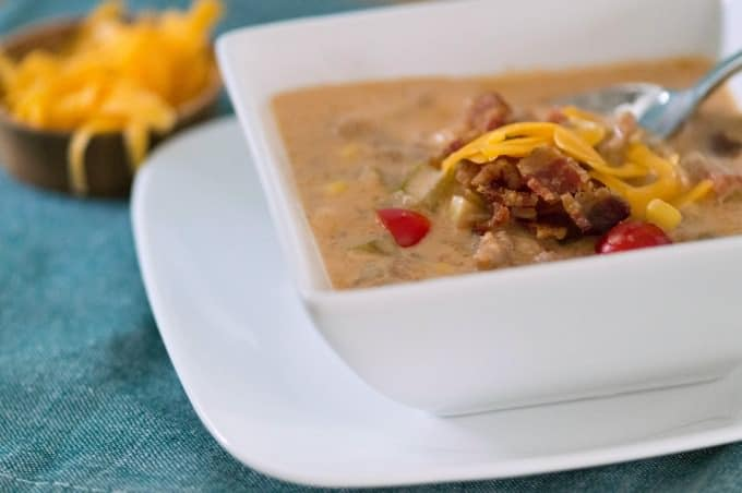 Hearty Crockpot Bacon Cheeseburger Soup Recipe - Perfect for Game Day Dinners!