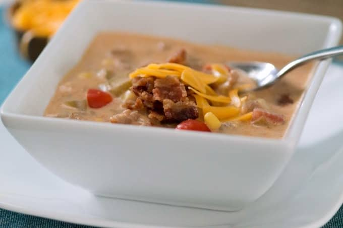 Hearty Crockpot Bacon Cheeseburger Soup Recipe - Your family will love this!