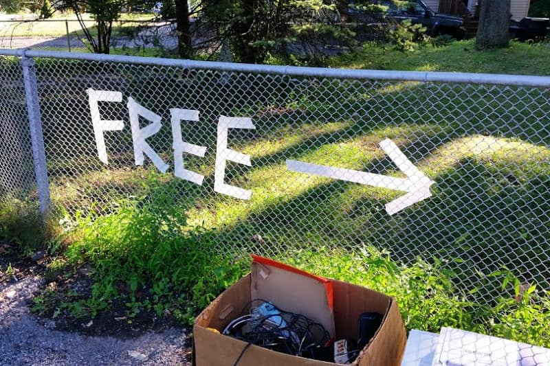 Free sign on fence