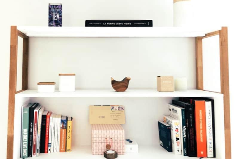 Help Kids Organize their Rooms - Open shelves holding books and knickknacks