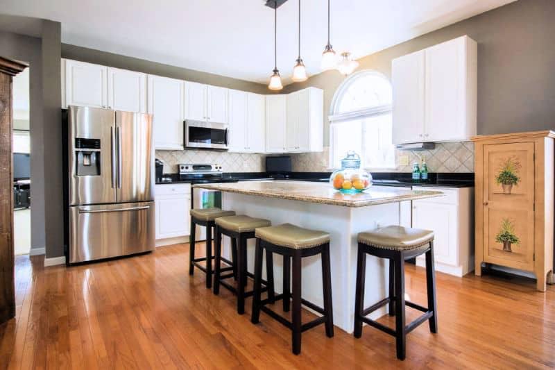 Clean clutter-free kitchen
