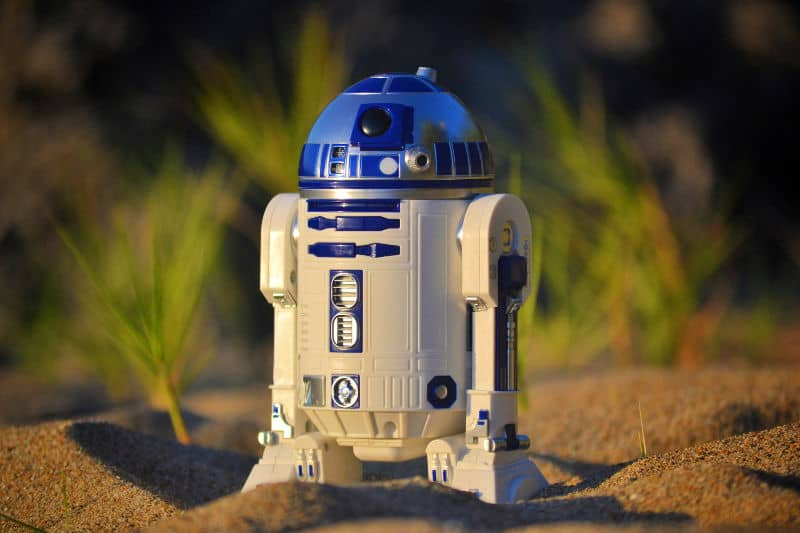 R2-D2 toy standing on sand - He would have made one of the best cleaning robots