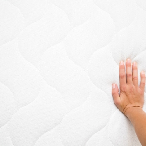 How To Clean A Mattress and Get Rid of Stains