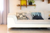 How to reduce clutter - minimalist living room decor
