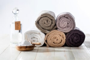 7 Smart Ways to Use Vinegar in Your Laundry