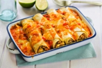 Beef enchiladas with tomato sauce and cheese