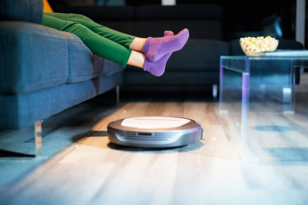 Best Cleaning Robots that Vacuum and Mop floors and clean litterboxes